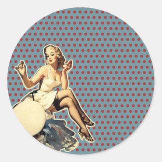 moda modela retra del chica del vintage del arte pegatina redonda