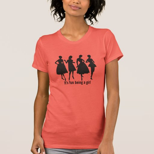 Moda para mujer de la silueta del modelo del vesti camisetas