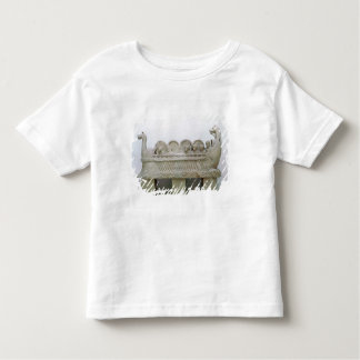 Model of a ship transporting wine on the shirt