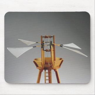 Model reconstruction of da Vinci s design Mouse Pads