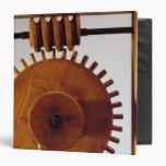 Model reconstruction of da Vinci's design Vinyl Binders