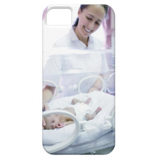 MODEL RELEASED. Nurse and premature baby. iPhone SE/5/5s Case
