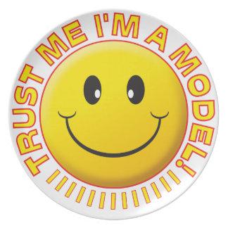 Model Trust Me Smiley Plate