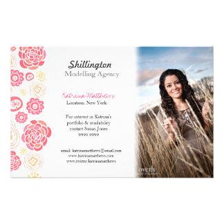 """Modelado de la tarjeta promocional de la foto mode folleto 5.5"""" x 8.5"""""""
