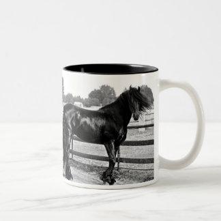 Modelado del caballo taza de dos tonos
