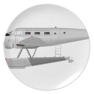 Modelo 18 de la haya en los flotadores platos de comidas