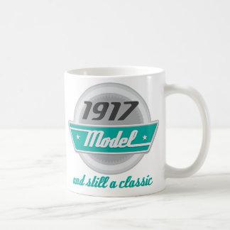 Modelo 1917 y aún una obra clásica taza clásica