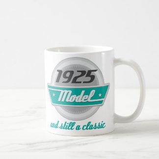 Modelo 1925 y aún una obra clásica taza básica blanca