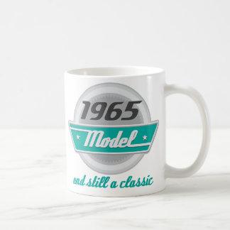 Modelo 1965 y aún una obra clásica taza clásica
