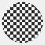 Modelo a cuadros blanco y negro pegatina redonda