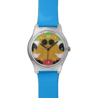Modelo abstracto colorido con la criatura extraña relojes de mano