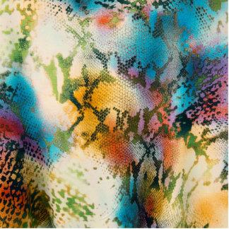 Modelo abstracto colorido de la piel de serpiente fotoescultura vertical