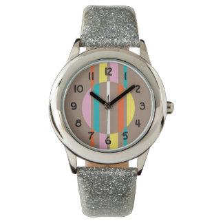 Modelo abstracto colorido moderno de las rayas relojes de pulsera