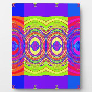 Modelo abstracto colorido: placas de plastico
