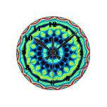 Modelo abstracto colorido reloj redondo mediano
