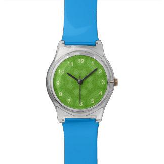 Modelo abstracto de madera verde reloj