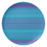 Modelo abstracto de moda de las rayas azules plato