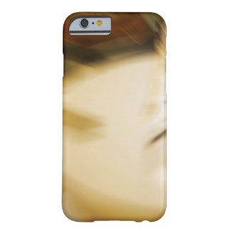 Modelo abstracto en colores de tono de la tierra funda barely there iPhone 6
