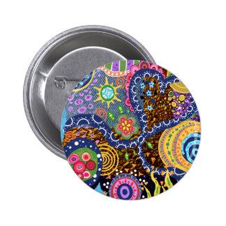 Modelo abstracto psicodélico pin