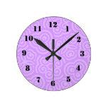 Modelo abstracto púrpura reloj redondo mediano