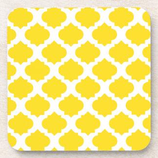 Modelo adornado amarillo posavasos