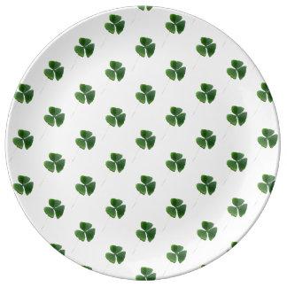 Modelo afortunado de los tréboles platos de cerámica
