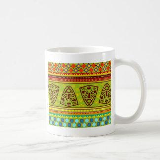 Modelo africano colorido tazas