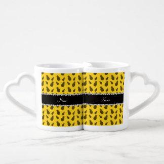 Modelo amarillo conocido personalizado de la piña taza para enamorados