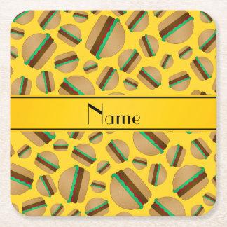 Modelo amarillo conocido personalizado de la posavasos personalizable cuadrado