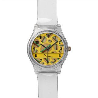 Modelo amarillo conocido personalizado de la reloj