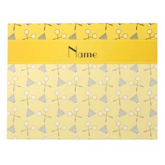 Modelo amarillo conocido personalizado del bloc de papel