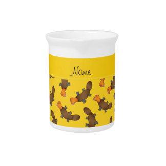 Modelo amarillo conocido personalizado del jarras