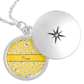 Modelo amarillo conocido personalizado del karate medallón