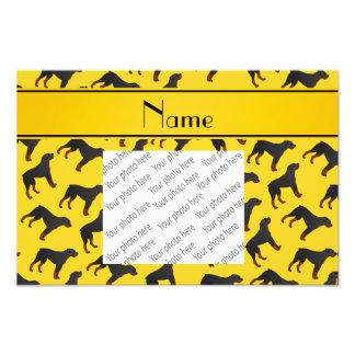 Modelo amarillo conocido personalizado del perro fotografía