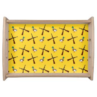 Modelo amarillo de la caza del pato bandeja