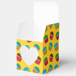 Modelo amarillo de la magdalena cajas para regalos de fiestas