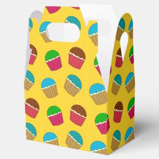 Modelo amarillo de la magdalena cajas para regalos
