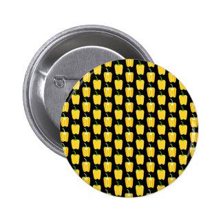 Modelo amarillo de las pimientas En negro Pin