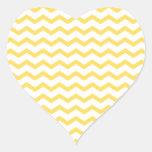 Modelo amarillo de moda de Chevron Pegatina De Corazón
