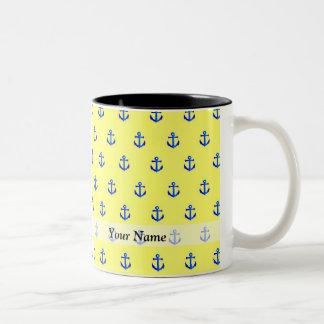Modelo amarillo del ancla taza de café de dos colores