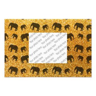 Modelo amarillo del brillo del elefante fotografía