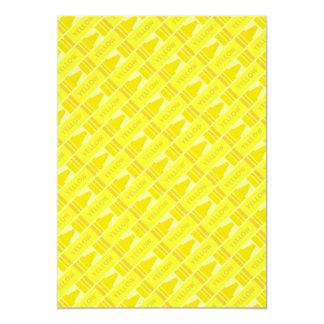 """Modelo amarillo del creyón de la diversión invitación 5"""" x 7"""""""