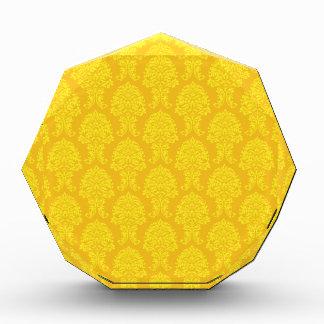 Modelo amarillo del damasco