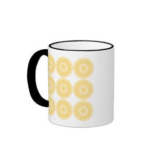 Modelo amarillo del diseño del cordón taza