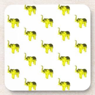 Modelo amarillo del elefante posavasos