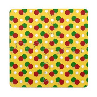Modelo amarillo del ping-pong posavasos de puzzle