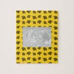 Modelo amarillo lindo de la seta puzzles con fotos