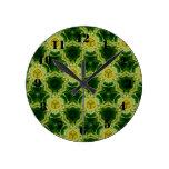 Modelo amarillo reloj de pared