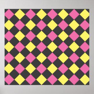 Modelo amarillo rosado del argyle en negro poster