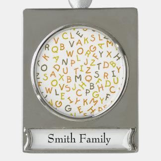 Modelo amarillo y anaranjado del alfabeto adornos personalizables